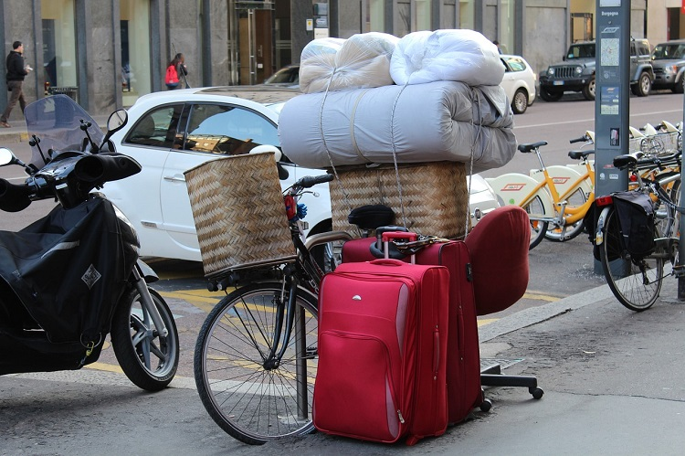 Money saving tips for moving abroad