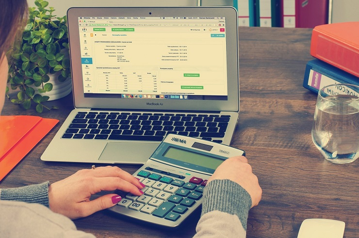 calculating-finances-abroad