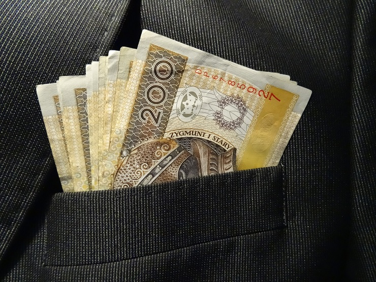 currency-in-suit-pocket